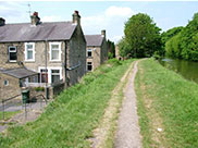 Stone houses close the the towpath
