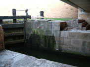 Lock 86 at Henhurst Bridge (Bridge 52)
