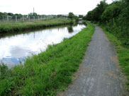 Decent towpath, approaching Workhouse Bridge