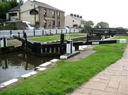 The Top lock (No.58), The Top Lock Inn and Top Lock bridge (Bridge 82)